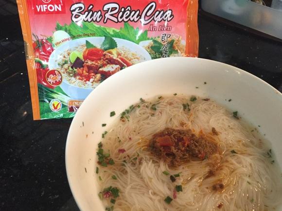 【即席麺】Bun Rieu Qua 〜 あっさりカニ出汁