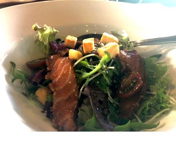 Le Corto セットランチ スモークサーモンのサラダ