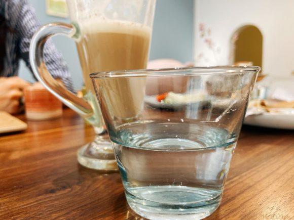 お水のグラス